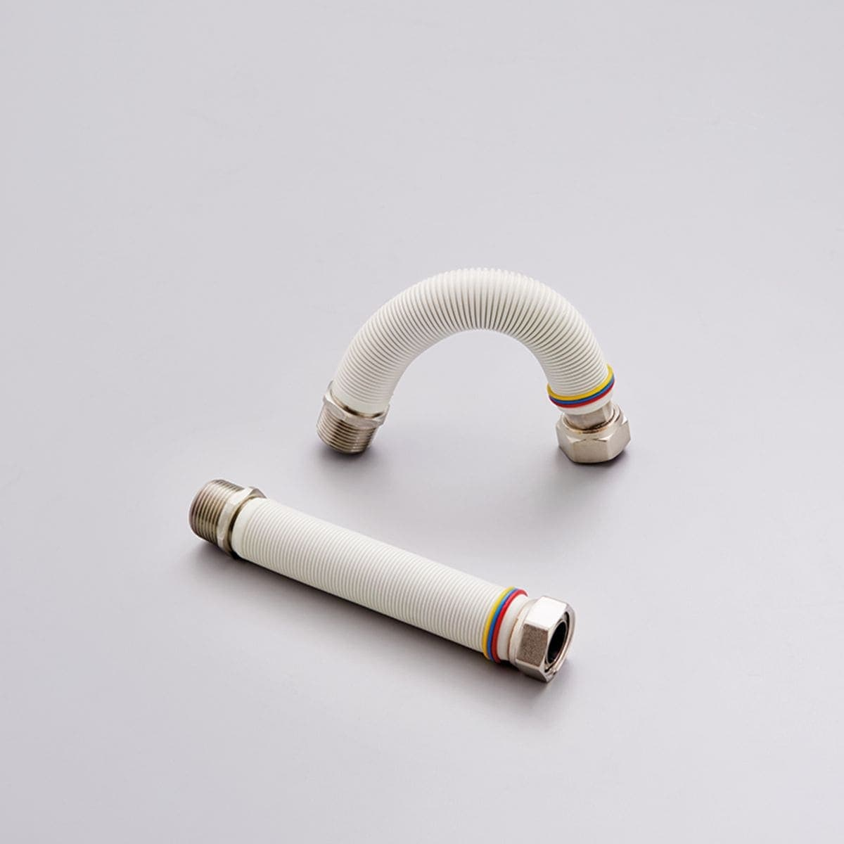 Hydrothermal flexible hoses for sanitary use